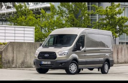 Ford Transit EcoBlue, side