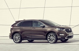 Ford Edge Vignale, side