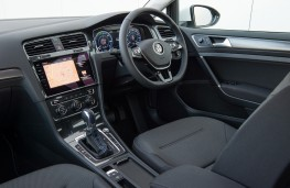 Volkswagen e-Golf, 2017, interior