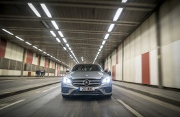 Mercedes-Benz E 220d AMG Line, 2016, head on
