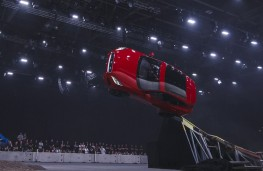 Jaguar E-PACE, 2017, world record barrel roll, 2