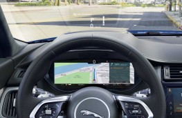 Jaguar E-Pace, 2018, instrument panel