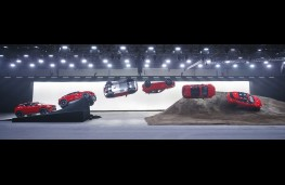 Jaguar E-PACE, 2017, world record barrel roll, sequence 1