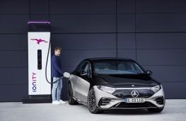 Mercedes-Benz EQS, 2021, charging