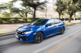 Honda Civic i-DTEC, 2018, side, action