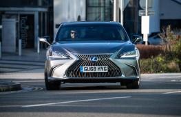 Lexus ES, 2019, nose