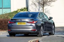Lexus ES, 2019, rear