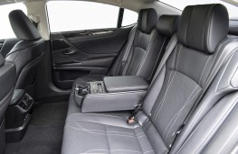Lexus ES, 2019, rear seats