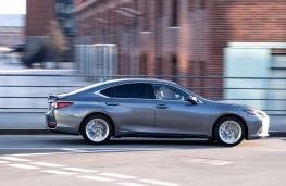 Lexus ES, 2019, side
