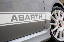 Abarth 595 esseesse, 2019, side decal