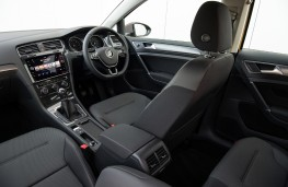 Volkswagen Golf Estate, 2017, interior, manual