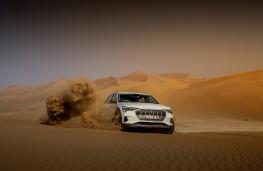 Audi e-tron, 2019, front, desert, action