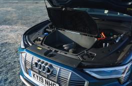 Audi e-tron, 2019, under bonnet luggage space