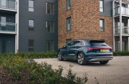 Audi e-tron, rear