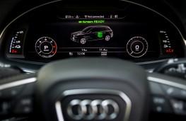 Audi Q7 e-tron, instruments