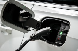 Audi Q7 e-tron, plug-in sockets