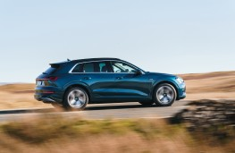 Audi e-tron, 2019, side