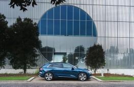 Audi e-tron, side, static