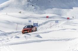 Range Rover Evoque Convertible, side, snow, slalom