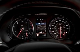Hyundai i30 Fastback N, 2019, instrument panel