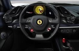 Ferrari Pista Spider fascia
