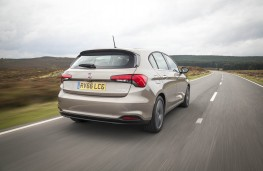 Fiat Tipo, rear action