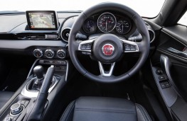 Fiat 124 Spider, dashboard