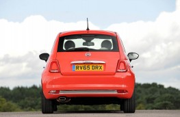 Fiat 500 Lounge, full rear static