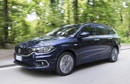 Fiat Tipo,estate front action