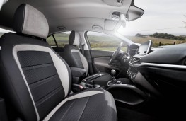 Fiat Tipo, front seats