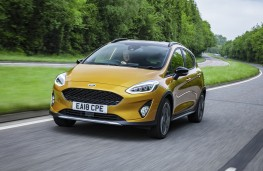 Ford Fiesta Active, 2018, front, action