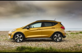 Ford Fiesta Active, 2018, side