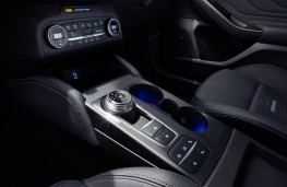 Ford Focus, 2018, console