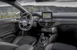 Ford Focus Titanium, 2018, interior