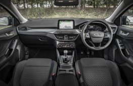 Ford Focus Titanium, 2018, interior, manual