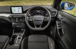 Ford Focus ST-Line, 2018, interior, automatic