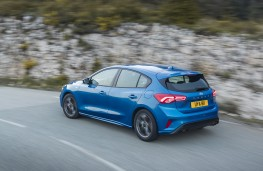 Ford Focus ST-Line, 2018, side, action