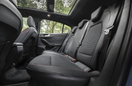 Ford Focus Titanium, 2018, rear seats