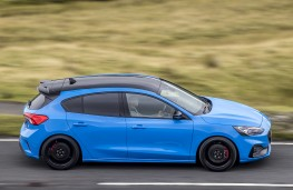 Ford Focus ST Edition, 2021, side