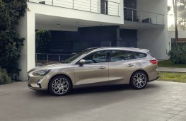 Ford Focus Estate Titanium, 2018, side