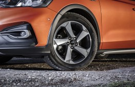 Ford Focus Active, 2019, wheel