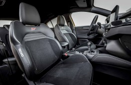 Ford Focus ST 2019 sports seats