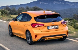 Ford Focus ST 2019 rear action