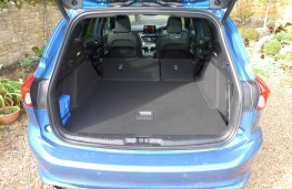 Ford Focus ST Estate, boot 2