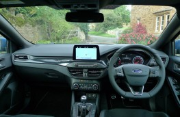 Ford Focus ST Estate, dashboard