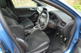 Ford Focus ST Estate, front seats