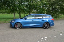 Ford Focus ST Estate, side static