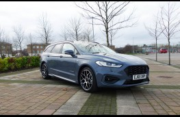 Ford Mondeo Estate, front static 3
