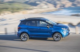 Ford EcoSport, side action