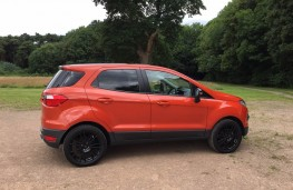 Ford EcoSport, side